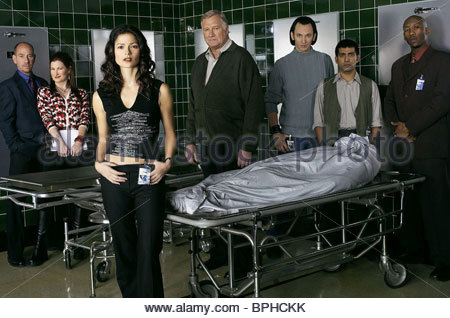 MIGUEL FERRER, KATHRYN HANN, JILL HENNESSY, STEVE VALENTINE, RAVI KAPOOR, MAHERSHALA ALI, CROSSING JORDAN, 2001 - Stock Photo