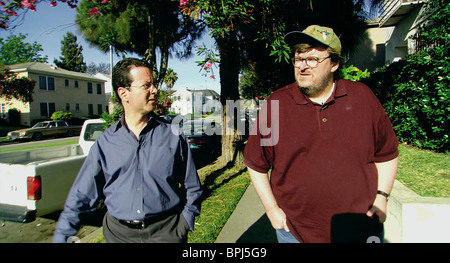 BARRY GLASSNER & MICHAEL MOORE BOWLING FOR COLUMBINE (2002) - Stock Photo
