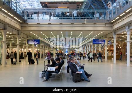 St Pancras International Railway Station - London - Stock Photo
