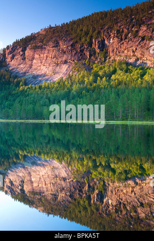 The lake Andersnattjern and the mountain Andersnatten in Eggedal, Norway. - Stock Photo