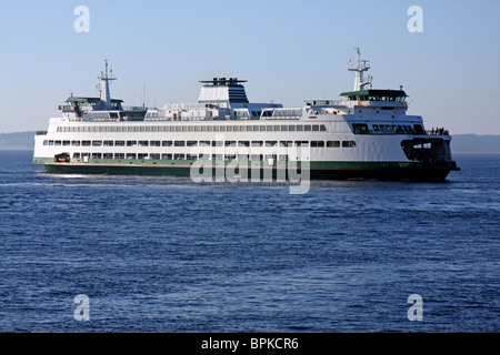 The Washington State Ferry Puyallup approaches the terminal at Edmonds, Washington. - Stock Photo
