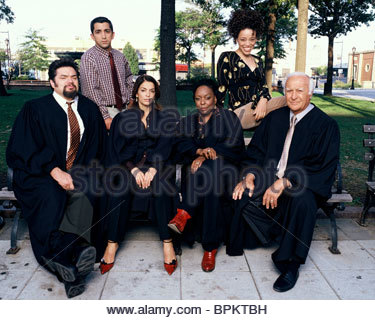 OLIVER PLATT JAMES MADIO ANNABELLA SCIORRA L. SCOTT CALDWELL MARCY HARRIELL & ROBERT LOGGIA QUEENS SUPREME (2003) - Stock Photo