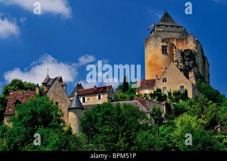 France: Village and castle of Chateau de Castelnaud - Stock Photo