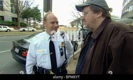 MICHAEL MOORE IS STOPPED BY THE SECRET SERVICE OUTSIDE THE SAUDI ARABIAN EMBASSY IN WASHINGTON FAHRENHEIT 9/11; - Stock Photo