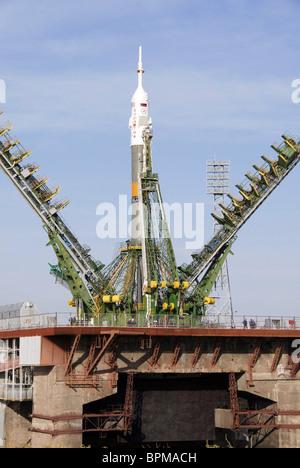 Final preparations for Soyuz TMA-13's launch - Stock Photo