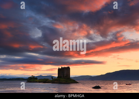 Castle Stalker is a four-storey tower house or keep picturesquely set on a tidal islet on Loch Laich, an inlet off - Stock Photo