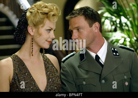CHARLIZE THERON, THOMAS KRETSCHMANN, HEAD IN THE CLOUDS, 2004 - Stock Photo