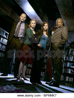 CASEY SANDER NINA SIEMASZKO KELLIE MARTIN & CLARENCE WILLIAMS III MYSTERY WOMAN: SING ME A MURDER (2005) - Stock Photo