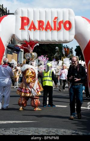 Paraiso school of samba festival entry parade, Notting Hill carnival 2010, London, England, UK, Europe, EU - Stock Photo