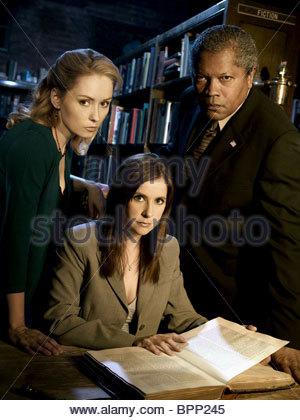 NINA SIEMASZKO KELLIE MARTIN & CLARENCE WILLIAMS III MYSTERY WOMAN: SING ME A MURDER (2005) - Stock Photo