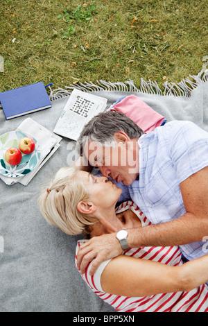 mature kissing beach