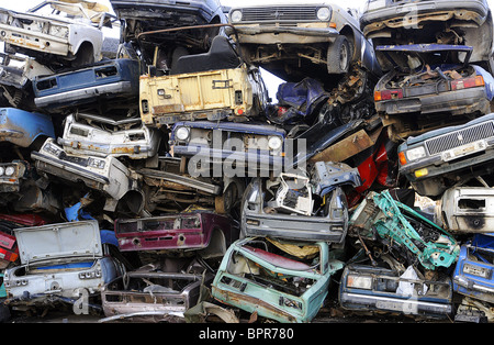 Scrap recycling at VTORMET plant - Stock Photo