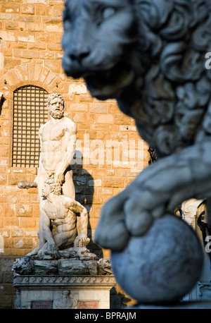 ITALY Tuscany Florence The 1533 statue of Hercules and Cacus by Bandinelli  in the Piazza della Signoria by the - Stock Photo