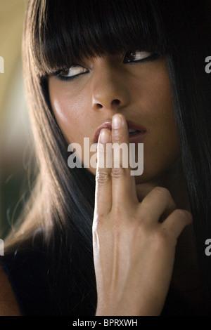 ALICIA KEYS SMOKIN' ACES; SMOKING ACES (2006) - Stock Photo
