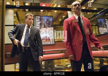 RAY LIOTTA & NESTOR CARBONELL SMOKIN' ACES; SMOKING ACES (2006) - Stock Photo