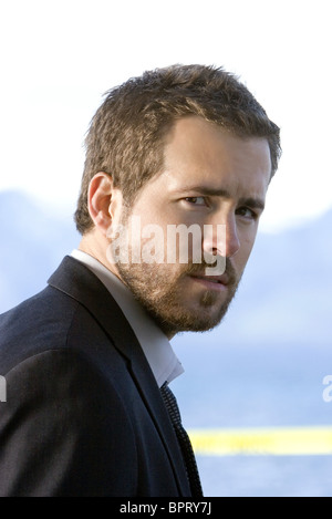 RYAN REYNOLDS SMOKIN' ACES; SMOKING ACES (2006) - Stock Photo