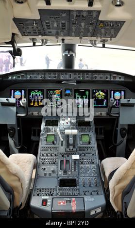 Boeing 777, Cockpit interior, flight deck - Stock Photo
