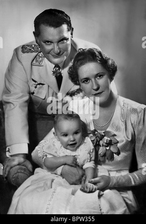 HERMANN GORING WIFE EMMY CHILD NAZI OFFICER WITH FAMILY 01 March 1940 - Stock Photo