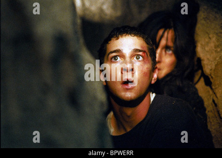 SHIA LABEOUF & CARRIE-ANNE MOSS DISTURBIA (2007) - Stock Photo