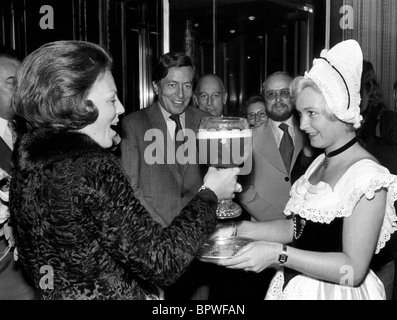 QUEEN BEATRIX PRINCE CLAUS QUEEN & PRINCE OF NETHERLANDS 01 May 1982 - Stock Photo