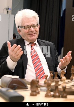 The Battle of the Giants: Victor Korchnoi vs Boris Spassky - Stock Photo