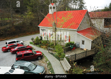 Shops & Galleries along the Great Smoky Arts and Crafts Community, 8 mile loop, Gatlinburg, Tennessee - Stock Photo