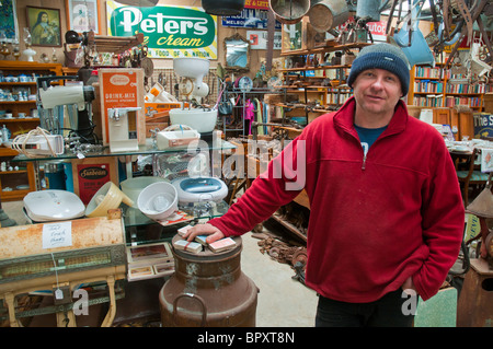 Paul Schipper, antique dealer near Koroit, Victoria, Australia - Stock Photo