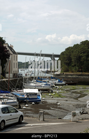 harbour at low tide, Quai Jean Bart, Le Bono, Morbihan, Bretagne, Brittany, France - Stock Photo
