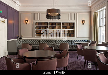 Roux at Parliament Square RICS Restaurant. - Stock Photo