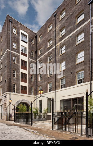 Shield House Apartments In A Refurbished Warehouse In The City Of London.    Stock Photo