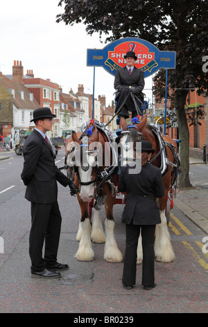 An old fashioned beer cart at the Faversham hop festival - Stock Photo