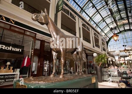 UK, England, Merseyside, Southport, Lord Street, Wayfarers Arcade racehorse Red Rum memorial statue - Stock Photo