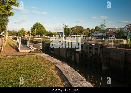 Teddington Lock on the River Thames near Richmond, Surrey, Uk - Stock Photo