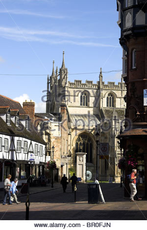 College Street (off of Westgate Street) and the cathedral in Gloucester city centre, UK. - Stock Photo