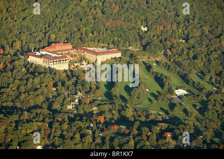 Aerial view of the Grove Park Inn and its golf course in Asheville, NC - Stock Photo