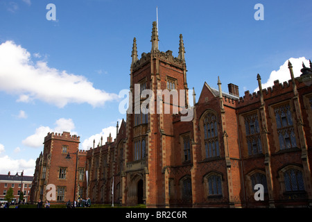 Queens University of Belfast main Lanyon Building Northern Ireland uk - Stock Photo