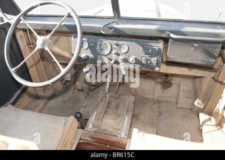 VEHICULES MILITAIRES, Camion Steyr 1500A, Construit à partir de 1941, le Steyr 1500 fut d'abord conçu pour le transport - Stock Photo