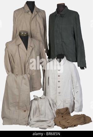 WEHRMACHT, Ensemble de vêtements de travail de la Wehrmacht, Quatre vestes, une en treillis deux poches à chevrons, - Stock Photo