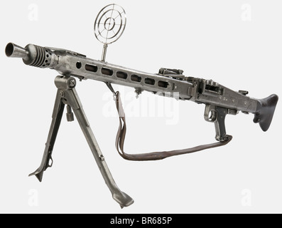 ARMES A FEU, Mitrailleuse allemande MG 42, calibre 7,92 x 57, fabriqué par l'usine 'cra' (Maget Maschinen- und Gerätebau - Stock Photo