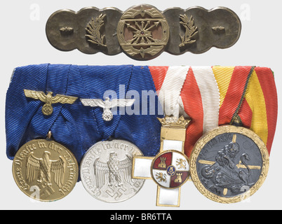 Awards of a Spanish campaigner, Spanish Cross in Bronze, reverse punched 'L/11'. War Merit Cross 1st Class with - Stock Photo