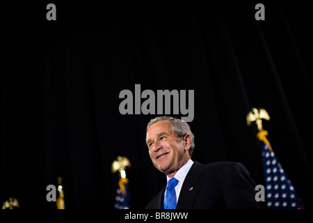 President Bush attends a New Jersey Republican fundraiser - Stock Photo