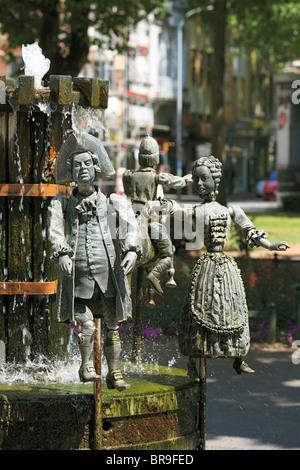 Puppenbrunnen mit Figuren aus der Stadtgeschichte von Krefeld, Rhein, Niederrhein, Nordrhein-Westfalen - Stock Photo