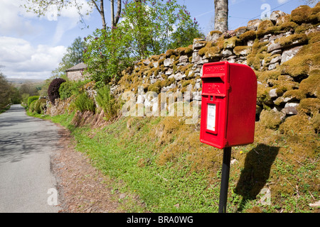 A lane in the Yorkshire Dales National Park at Stone House, east of Dent, Cumbria - Stock Photo