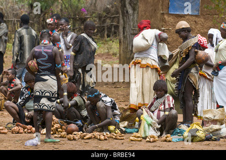 Local market at Key Afer, Omo Valley, Ethiopia - Stock Photo