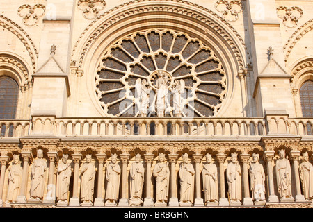 Kings Gallery, west front, Notre Dame Cathedral, UNESCO World Heritage Site, Paris, France - Stock Photo
