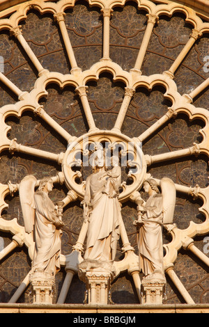 Virgin and Child and angels west front, Notre Dame Cathedral, UNESCO World Heritage Site, Paris, France - Stock Photo