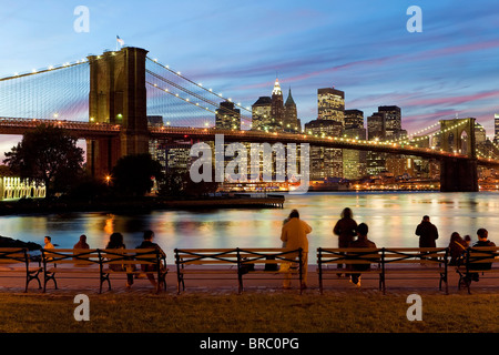 The Brooklyn Bridge spanning the East River between Brooklyn and Manhanttan, New York City, New York, USA - Stock Photo