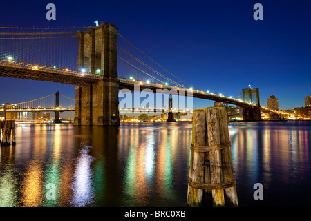 The Brooklyn and Manhattan Bridges spanning the East River, New York City, New York, USA - Stock Photo