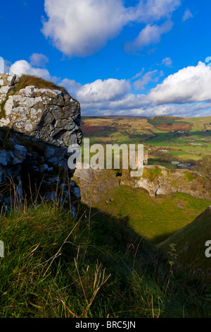 Cave Dale and Peveril Castle a Norman fortress built 1176 by Henry II near Castleton in the Peak District National - Stock Photo