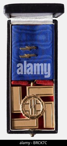 An SS Long Service Award 1st Class, Cross for 25 Years, in its presentation case Single piece, frosted gilt non - Stock Photo